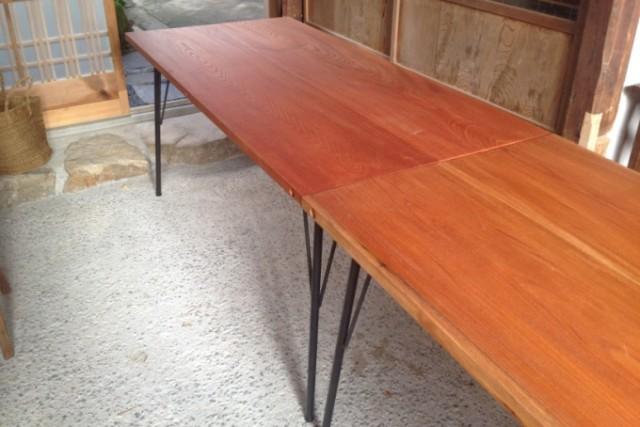 鉄脚のケヤキテーブル
